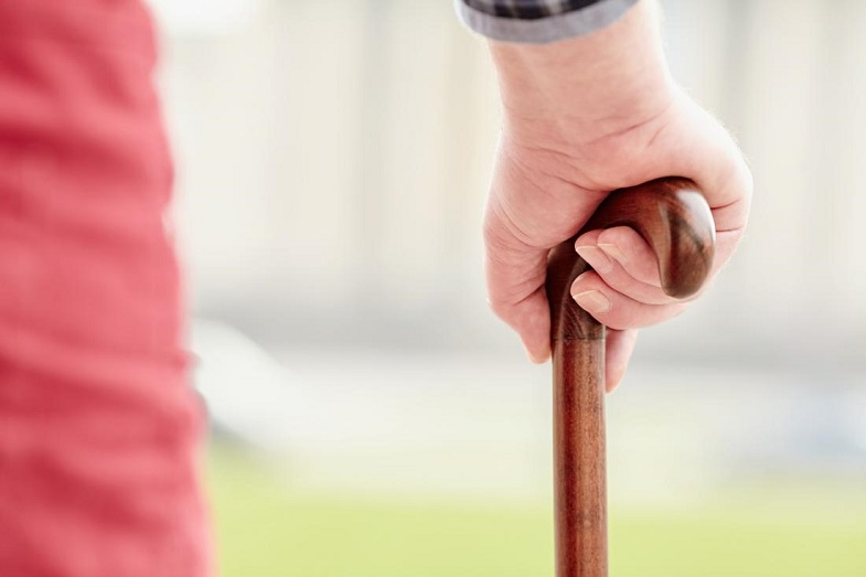 Choosing the Proper Walking Aid for a Senior
