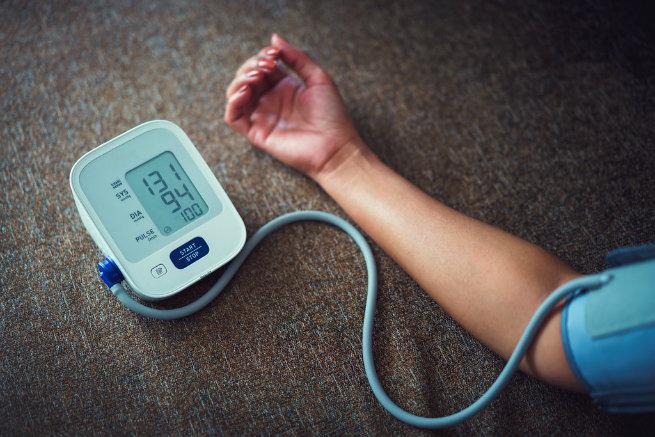 Check blood pressure Omron