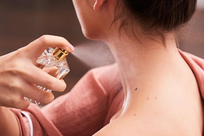 How-To-Apply-Perfume - White Satin