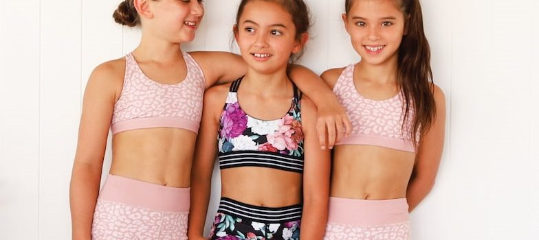 girls-in-activewear