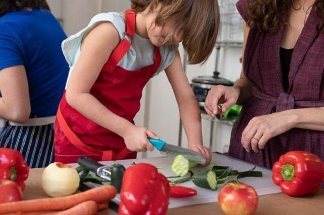 kids-cooking-apron
